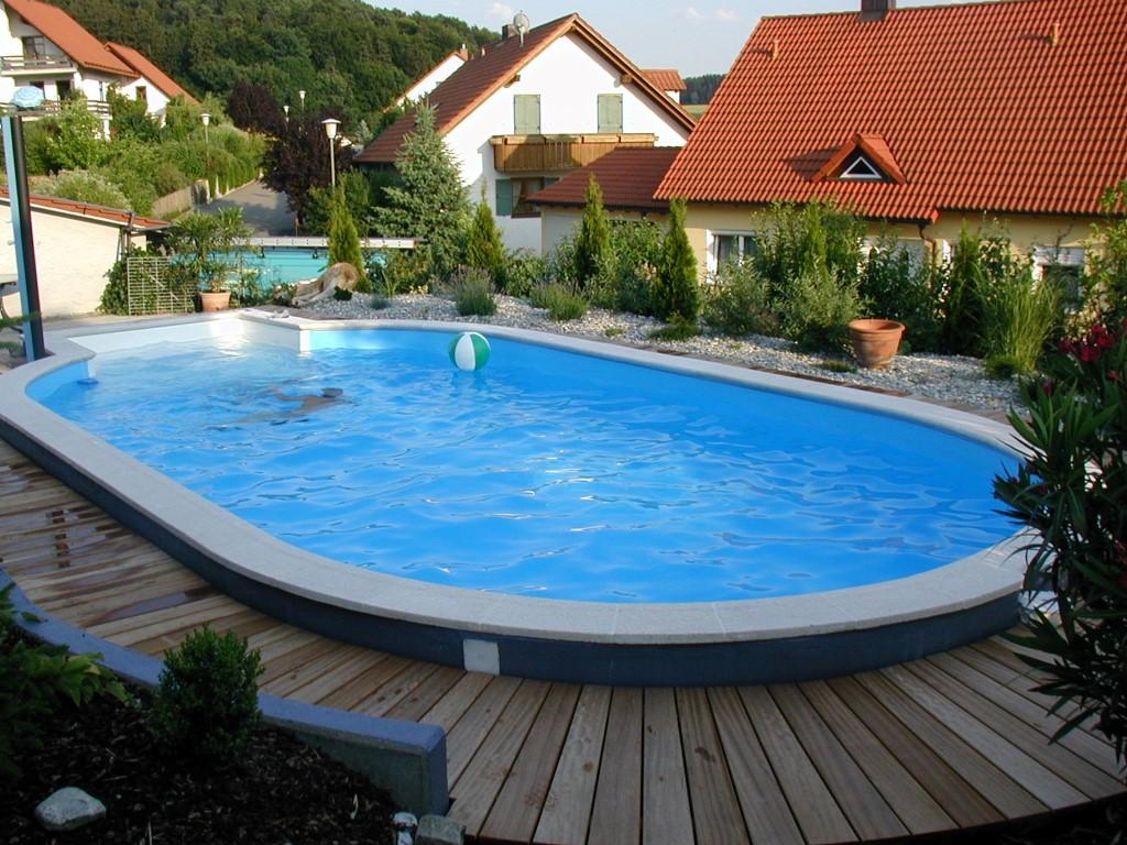 Ab In Den Pool