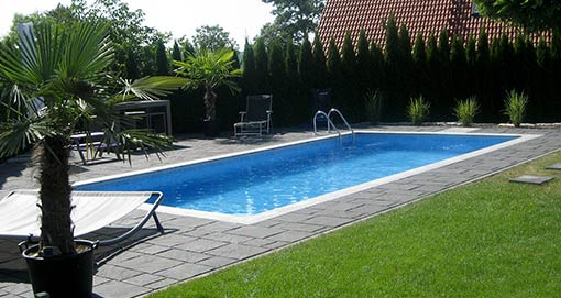 Pool mit Polyesterbecken