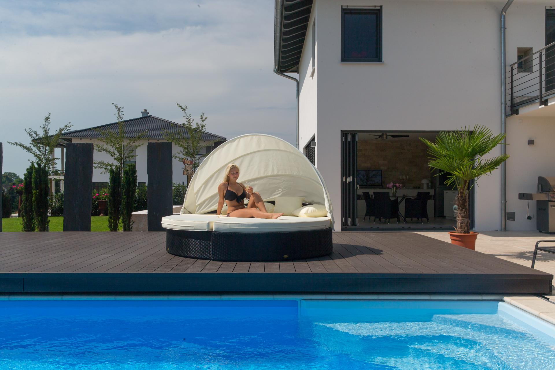 das fahrbare pooldeck von stegmann ihr pool fachmann aus ried. Black Bedroom Furniture Sets. Home Design Ideas